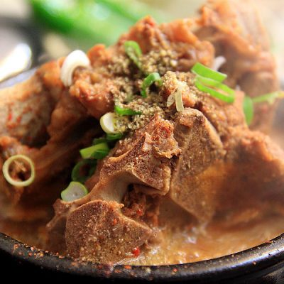 popular! homestyle korean tender pork meat spicy soup with rice